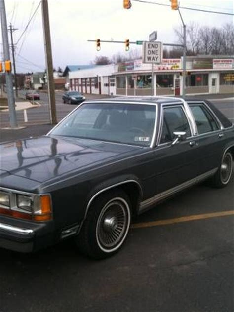 purchase used 1988 ford ltd crown victoria lx sedan 4 door 351 v8 in taylor pennsylvania