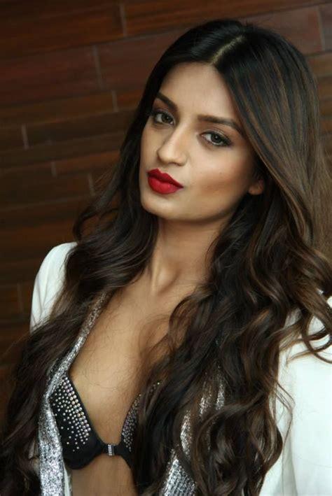 19 best nidhi agerwal images on pinterest nidhi agarwal actress nidhi agarwal hot and tiger