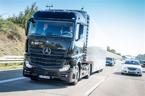 truck shows uk driverless trucks to be tested on uk roads auto express
