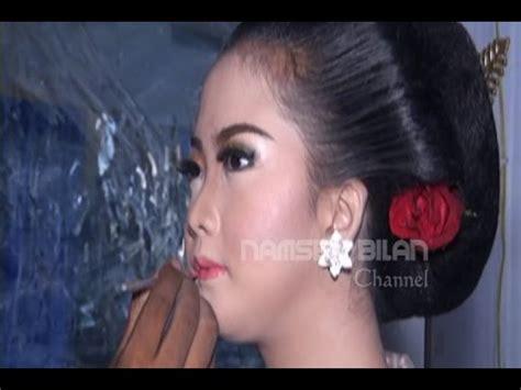 tutorial memakai lipstik sesuai bentuk bibir tips memakai lipstick sesuai bentuk bibir dan wajah make