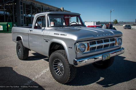 1968 Dodge Pickup   Information and photos   MOMENTcar