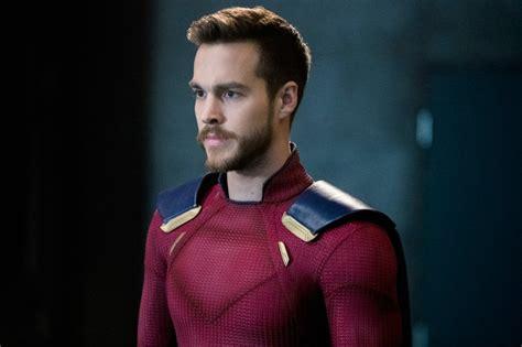 liberty star superhero alex david mon el gets his red suit in new supergirl photos