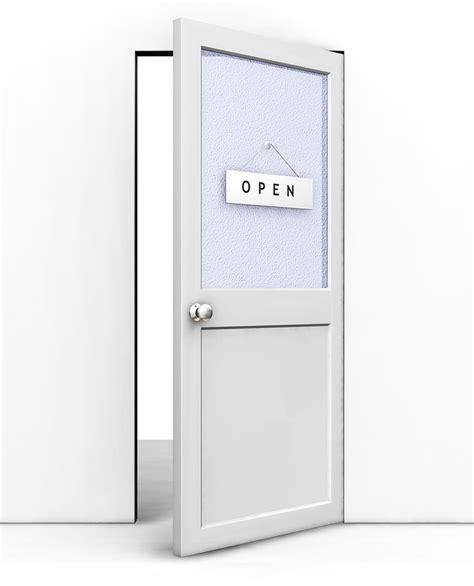 don t slam people s fingers in your open door policy