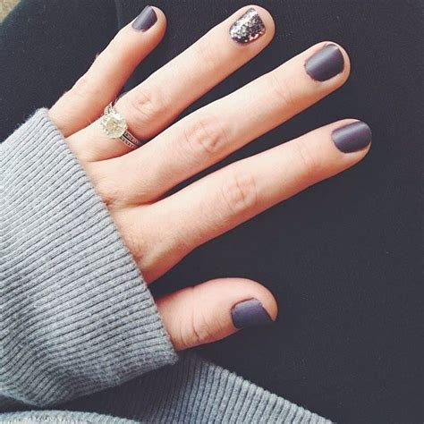 best nailcolors for short nails cute manicures that show off your engagement ring glam radar