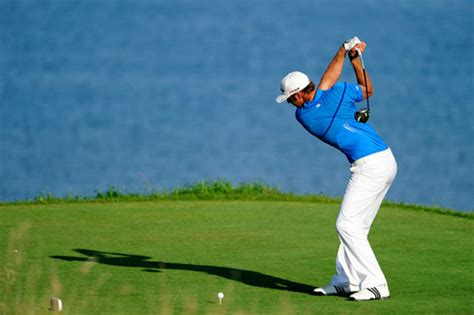 dustin johnson swing nine holes with dustin johnson profiles the sand trap