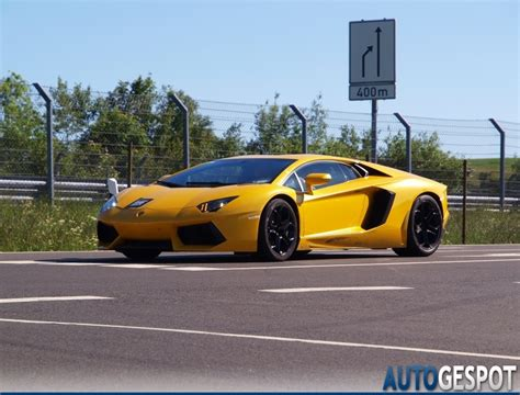 rainbow lamborghini all colours of the rainbow lamborghini aventador lp700 4