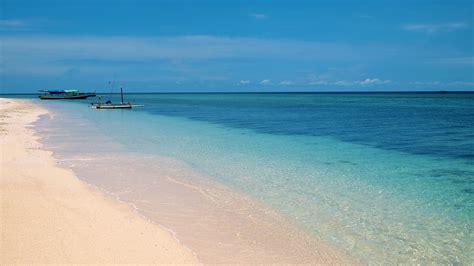 gili meno indonesia 25 things you can do on the gili islands travel blog