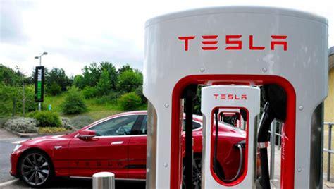 Tesla Superchargers Uk Tesla Begins Supercharger Rollout At Uk Motorway Services
