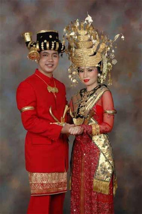Baju Daerah Sumatra fitinline pakaian tradisional sumatera utara