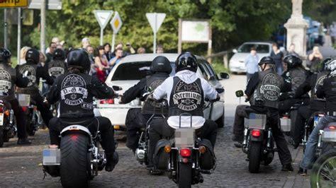 Motorrad Club Oberhausen by Rocker Brandanschlag Auf Rocker Vereinsheim Des Mc
