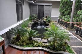 Bonsai Sintetis Daun Hijau Bunga Putih Dekorasi Interior taman minimalis depan rumah untuk rumah minimalis
