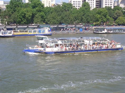 thames river cruise london wikipedia bateaux london wikipedia
