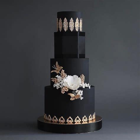 dark wedding cakes  add  gothic flair