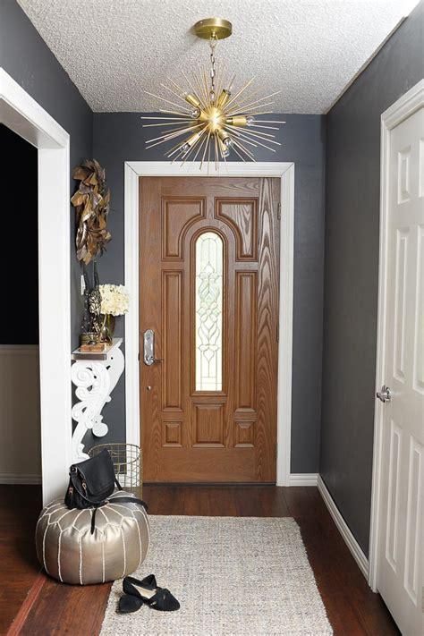 decorate  small foyer monica