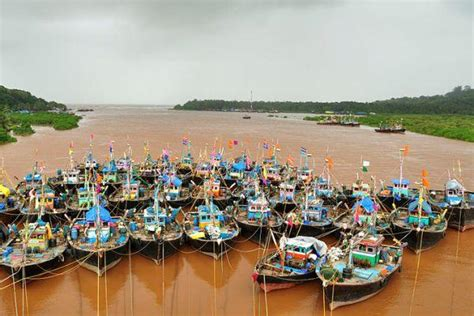 india fishing boat for sale the colourful fishing boats of india s konkan coast