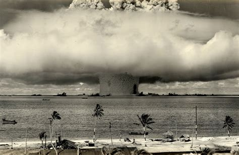 a graphic history of the atomic bomb silent photo thread contains graphic images