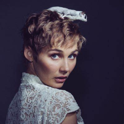 haircuts nashville nashville has found a new home on cmt and clare bowen