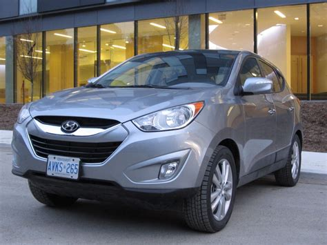 hyundai tucson 2012 reviews review 2012 hyundai tucson limited awd delivers the goods
