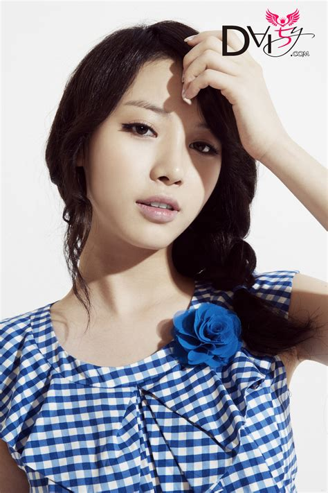 girls day jihae photoshoot 110928 girl s day yura blue sky concept photoshoot girl s day daily