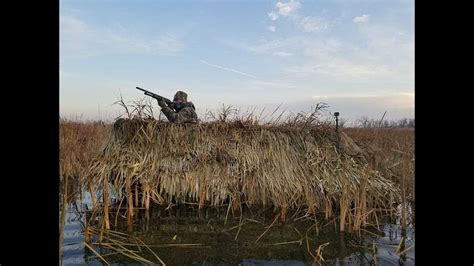 duck island boat blind duck hunting 2017 9 trying the new boat blind youtube