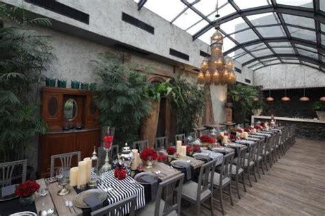 Meja Makan Di Indonesia meja makan yang terdapat di lantai 3 berkonsep rooftop