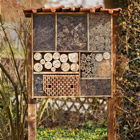 Gardeners Supply Bee House Are Bee Hotels The Answer To Saving A Species Macleans Ca