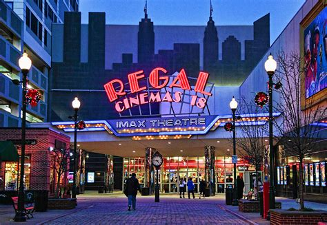 Regal Tonies by Regal Theater Images