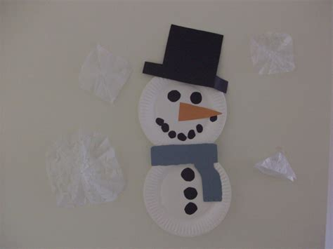 Snowman Paper Plate Craft - indoor winter paper plate snowman craft