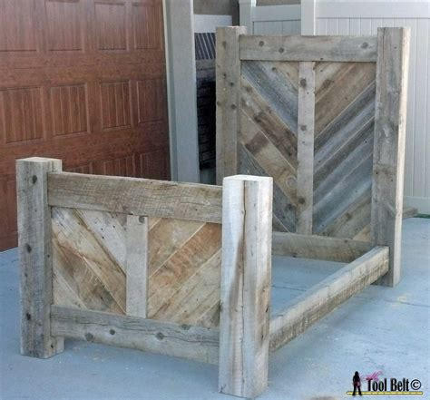 Reclaimed Wood Bed Frame Plans White Rustic Barnwood Bed Plan Diy Projects