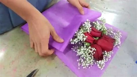 How To Make A Bouquet Of Flowers With Paper - flower bouquet small posy of 5 roses
