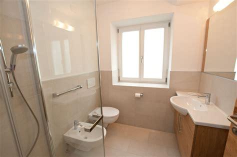 finestre bagno bagno con vasca sotto finestra duylinh for