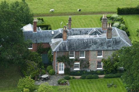 bucklebury middleton house pippa wedding duke and duchess of cambridge to stay at