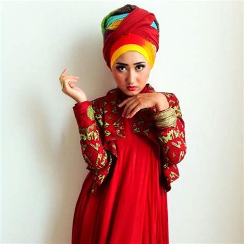 short biography dian pelangi the indonesian designer fashion hijab dian pelangi
