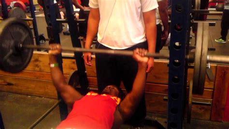 nfl bench press workout nfl training darryl brister 225lb bench press 20 reps