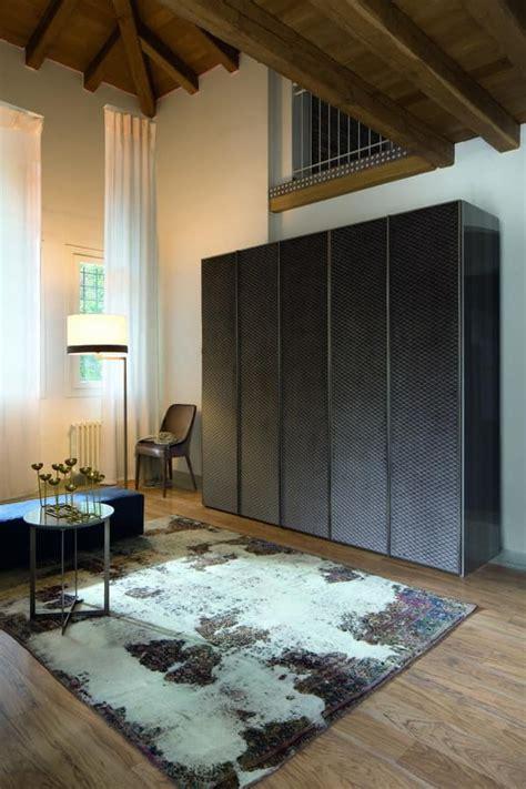 armadi tessuto armadio in legno con cornici in metallo rivestito in