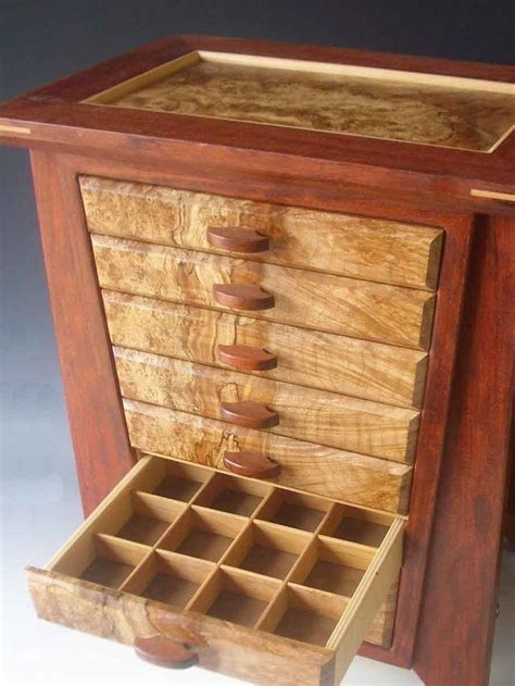 handcrafted jewelry armoire de 25 bedste id 233 er inden for wooden jewelry boxes p 229