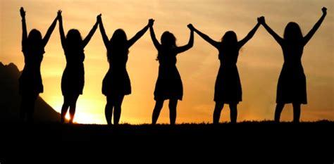 Imagenes De Mujeres Reunidas Orando   emisora cristiana online