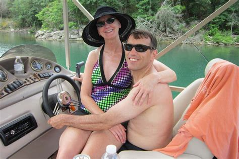 beaver lake bass boat rentals waterfront log cabin rentals in eureka springs ar lake
