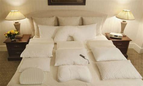 el menu de almohadas hosteleria  turismo