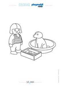 Supérieur Chambre De Petite Fille 2 Ans #6: Coloriage-La-petite-fille-et-son-chien-Playmobil-123.jpg