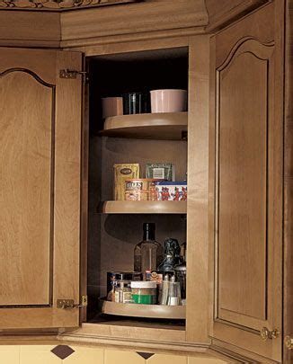 lazy susan in corners kitchens
