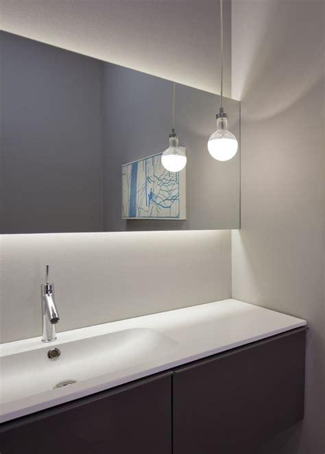 bathroom mirrors chicago 25 best ideas about backlit bathroom mirror on pinterest