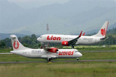 lion air vs wings air pesawat lion air group video pesawat lion air related keywords pesawat lion air long