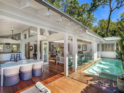 beach houses for sale best 25 beach houses for sale ideas on pinterest coastal cottage pretty beach