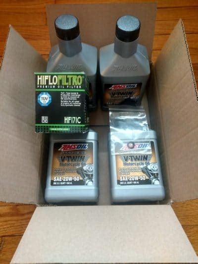 Twin Cam Synthetic Oil Change Kit with Chrome or Black