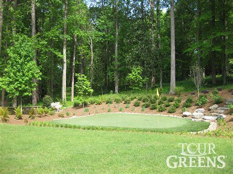 putting green backyard onelawn backyard putting green installers