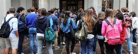 nei bagni di scuola a scuola si fuma nei bagni cos 236 il divieto viene aggirato