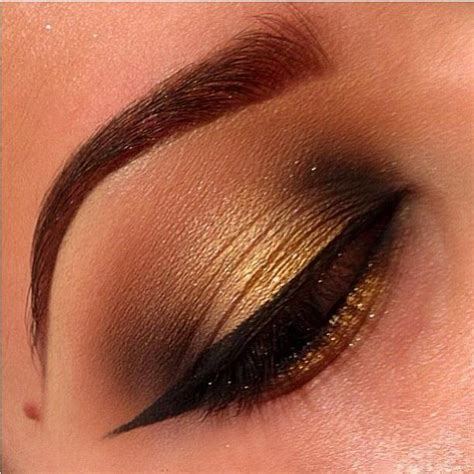 eyeshadow tutorial with gold arabian gold makeup tutorial amazingmakeups com