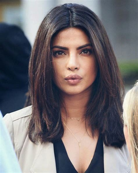 priyanka chopra hairstyle in anjana anjani movie priyanka chopra quantico pinterest hair styles hair