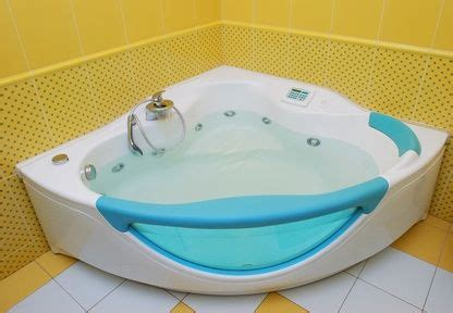 Bathtub Keeps Clogging by Bathroom Bathtub Drain Clogged Yellow Wall Bathtub Drain